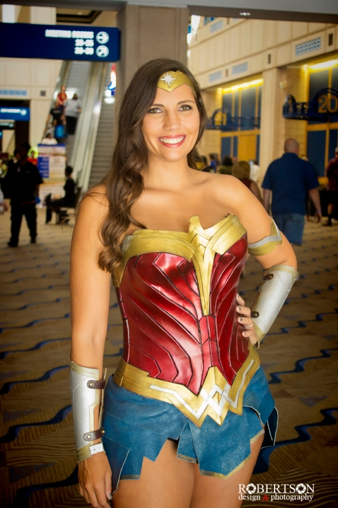 Awesome Wonder Woman cosplay by @lightinyoureyes